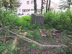Der Gedenkstein am ursprünglichen Standort (Foto: Thomas Schlichenmayer)