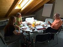 Gerhard Bökel beim Gedächtnisbuch