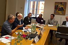 Yariv Lapid referiert auf der Fachkonferenz